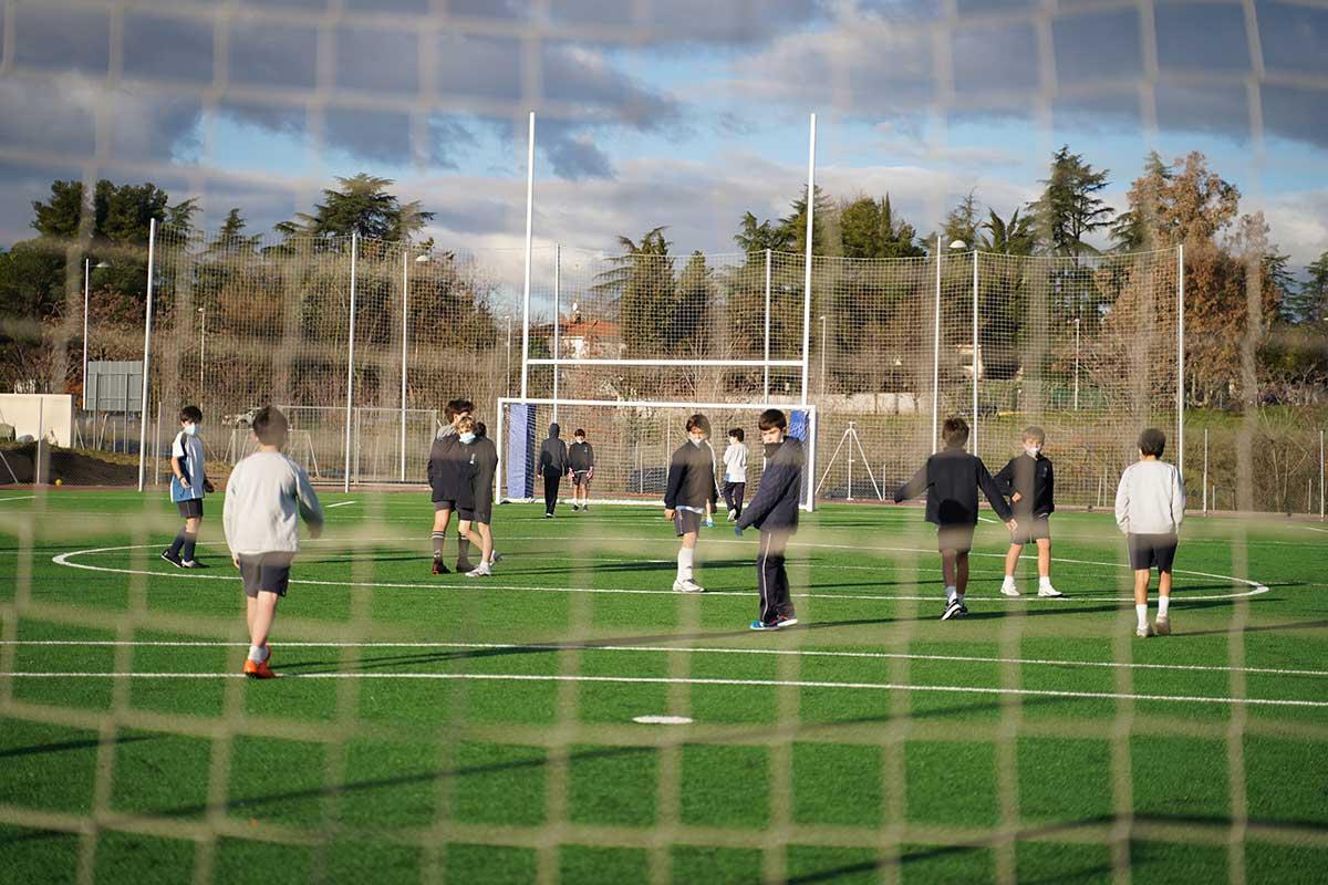 stella-maris-smarts-alumnos-futbol
